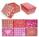 Подарочная коробка с сердечками
